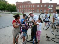 Community-bike-project-20060729c.jpg
